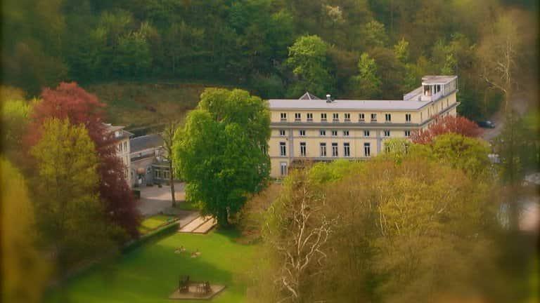 Afbeeldingsresultaat voor Castel de Pont-à-Lesse